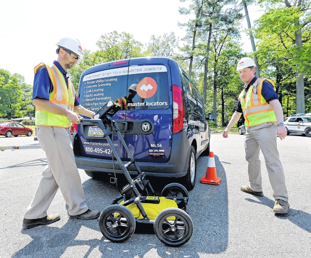 Police use ground-penetrating radar to search for man
