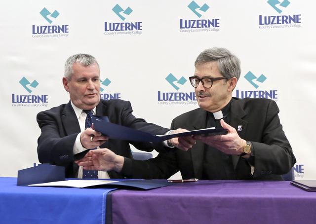 Lccc University Of Scranton Sign Dual Enrollment Agreement Times