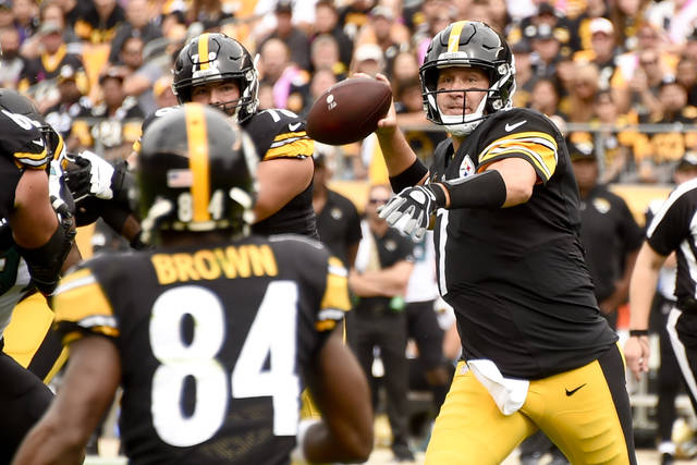Pittsburgh Steelers quarterback Ben Roethlisberger, right, says he isn't questioning himself after five-interception outing against the Jacksonville Jaguars this past Sunday.