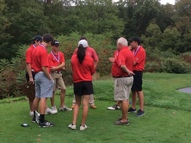 Comets win first District 2 team golf championship