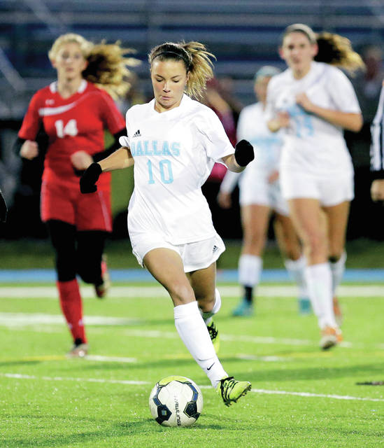 Sam Mazula finished the season with 12 goals and 15 assists for 39 points, and totaled 29 goals and 32 assists for 90 points in her high school career.