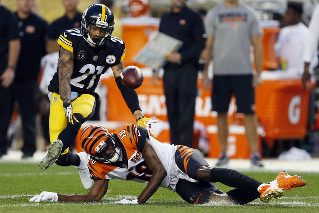 """The Pittsburgh Steelers can finally focus on the New England Patriots. Coach Mike Tomlin says he """"loves"""" the hype surrounding a showdown between the teams with the two best records in the AFC and wants his team to embrace it, which could get cornerback Joe Haden (21) back. Haden's missed the past four games with a fractured left leg."""