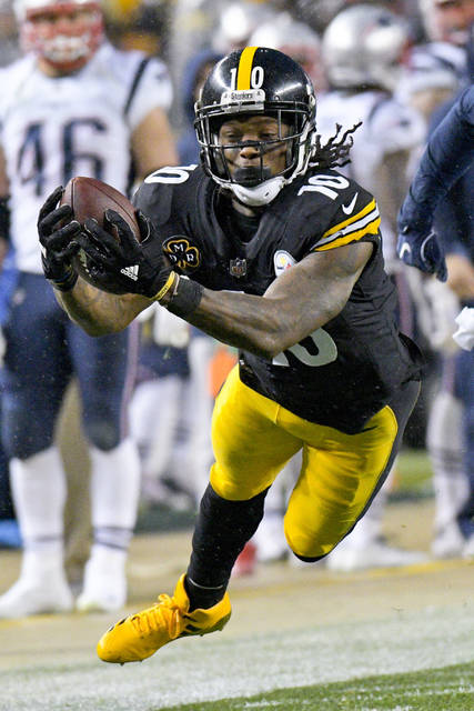 "Without Antonio Brown, Martavis Bryant is DJ's ""must have"" wide receiver this week. He's a flex play with WR2 upside."