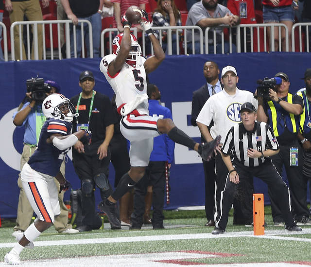Georgia wide receiver Terry Godwin makes a catch for a two-pint conversion against Auburn during the second half of Saturday's Southeastern Conference championship game in Atlanta.