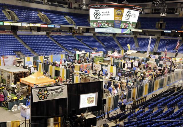Vendors pack the floor of Mohegan Sun Arena.