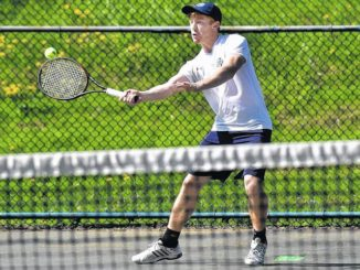 WVC entrants show fight to reach semifinals of District 2 singles tennis tournament