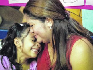 Judge halts deportation of families