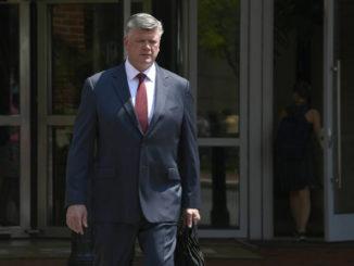 Manafort deputy Rick Gates admits embezzlement