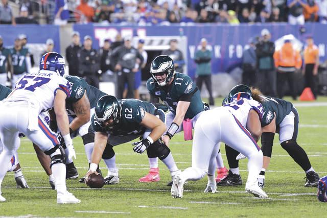 Carson Wentz throws 3 TD passes as Eagles look down Giants