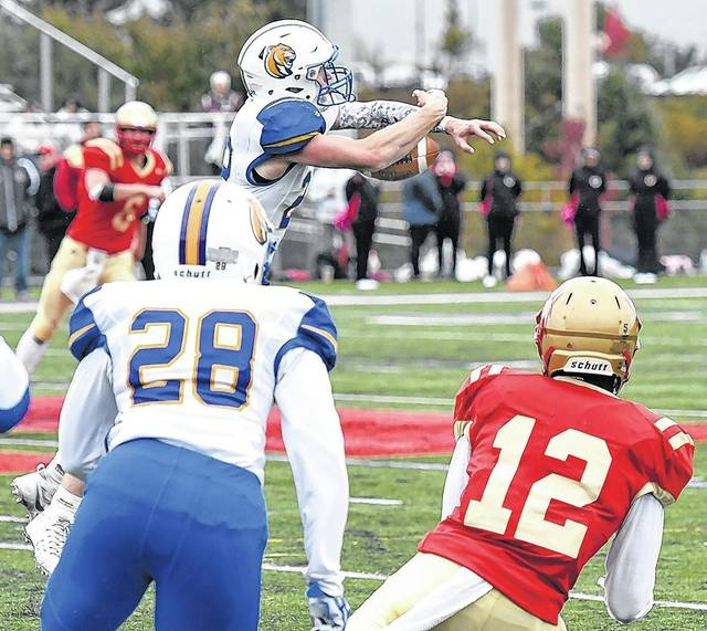 Cougars linebacker Garrett Murray (22) nearly came up with his second  interception of the day against King s College while breaking up a pass in  the third ... cc4743555