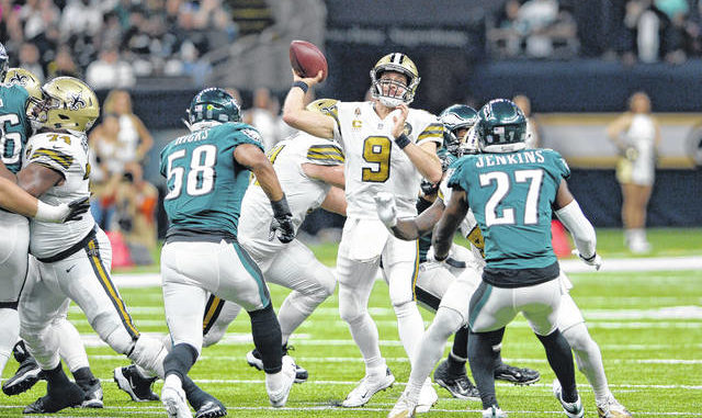 Saints embarrass crumbling Eagles  68d15ed95