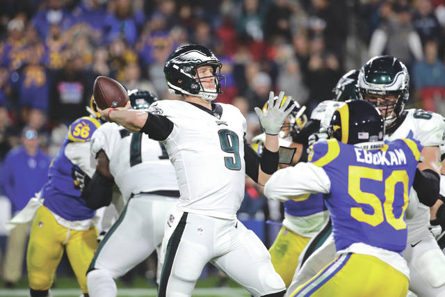 Led By Nick Foles Resilient Eagles Are Back In Playoff Mix