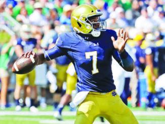 UCF lands Notre Dame transfer QB Brandon Wimbush