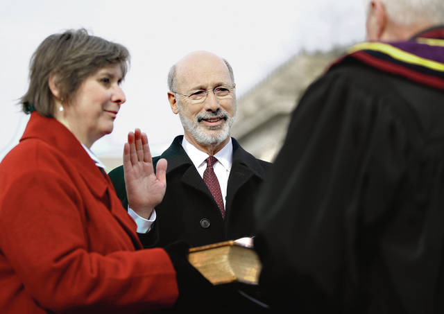Gov. Wolf sworn in for second term