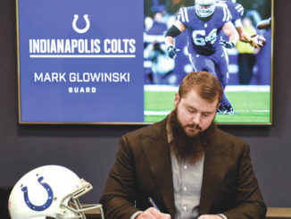 GAR grad Mark Glowinski signs 3-year extension to stay with Colts