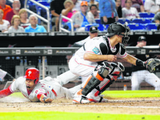 Phillies get top catcher Realmuto from Marlins for 3 players