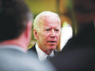 Biden's verbal slip draws Democrats' cheers
