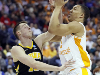 Tennessee survives blowing 25-point lead