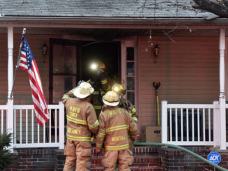 Eight residents, dog escape WB blaze that kills 2 cats