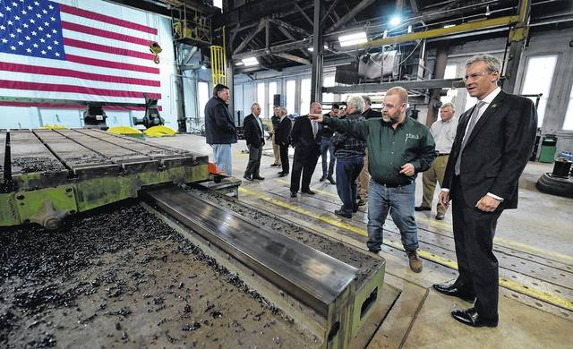 'It's amazing': Cartwright tours West Pittston firm that makes heavy-duty equipment