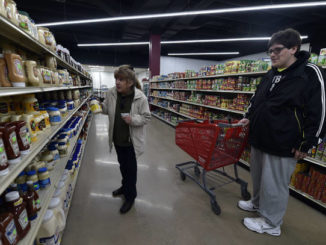 Deemer's Discount Groceries opens on Coal Street in WB