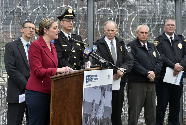 Amid razor wire and prison blocks, advocates push for more early education money