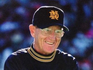 Former Notre Dame coach Lou Holtz to address King's commencement