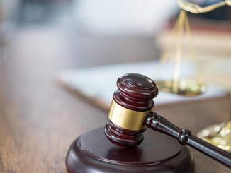 Jury finds Weibrecht not guilty in hammer assault case