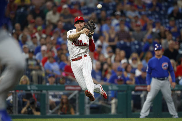Realmuto powers Phillies past Cubs 4-2