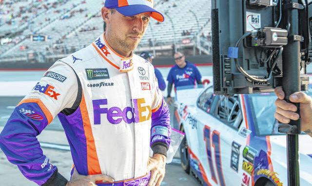 DENNY HAMLIN SPORTS CLIPS NASCAR JOE GIBBS RACING RACE USED PIT CREW SHIRT LARGE