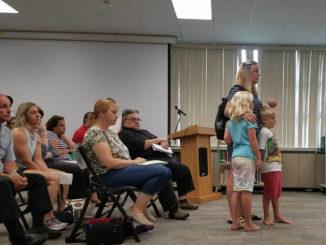 Parents decry Crestwood bus schedule during 3-hour session after board meeting