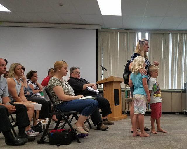 Parents decry Crestwood bus schedule during 3-hour session