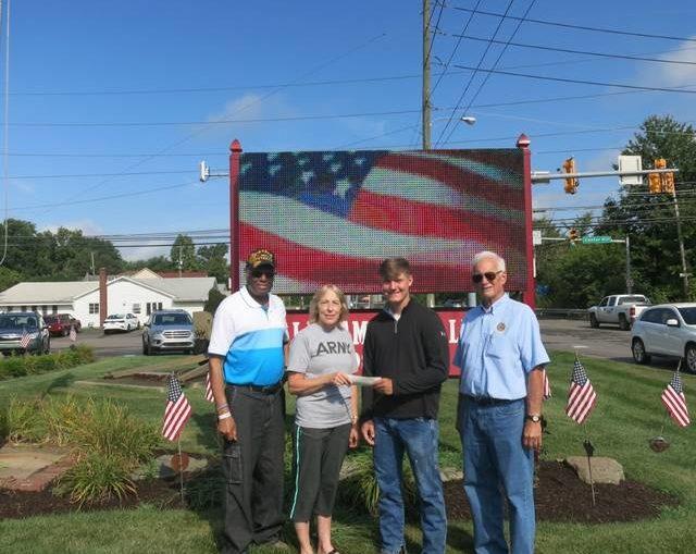 Daddow-Isaacs Dallas American Legion 672 presents scholarship to Taylor Grey