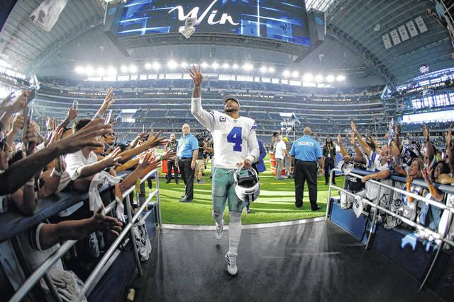 Prescott lightens Elliott's load as Cowboys top Giants 35-17