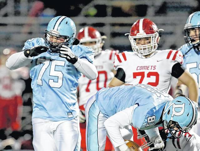 D2 football playoffs: Dallas shakes off slow start, pulls away from Comets in 4A semis