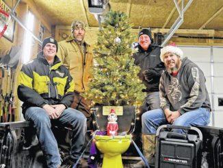 All hail the Golden Throne: Award honors civic-minded Harveys Lake folks