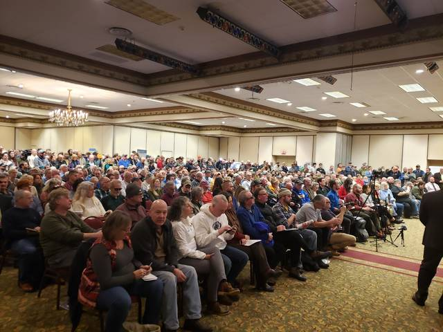 Hundreds listen to what the U.S. Army Corps of Engineers has planned for the Francis E. Walter Dam and Reservoir. Many had concerns over New York City's involvement.