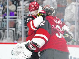 NHL roundup: Coyotes skate past Islanders