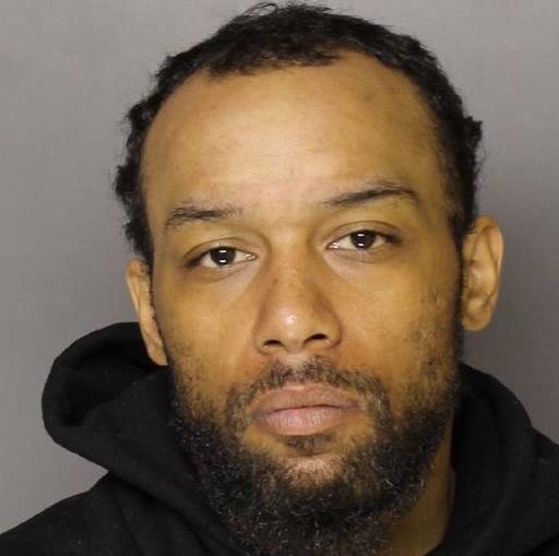 Kingston police arrest armed robbery suspect