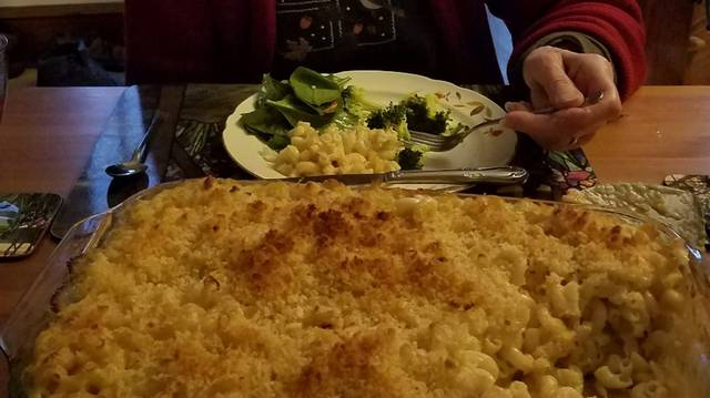 <p>When we served Lobster Mac and Cheese to MT's mom on her recent birthday, we had side dishes of spinach salad and broccoli.</p>