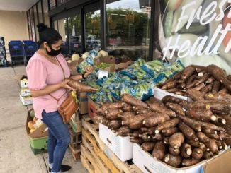 Shoppers embrace new international market