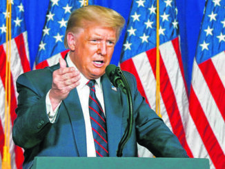 Trump orders more unemployment pay, a payroll tax deferral