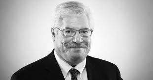 Michael Hiltzik: FDA boss Hahn admits error on plasma, but fails to recover his credibility
