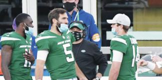 Joe Flacco (5) worked with Sam Darnold (14) last season with the Jets and will now hope to build with Jalen Hurts and the Eagles.                                  Bill Kostroun | AP photo